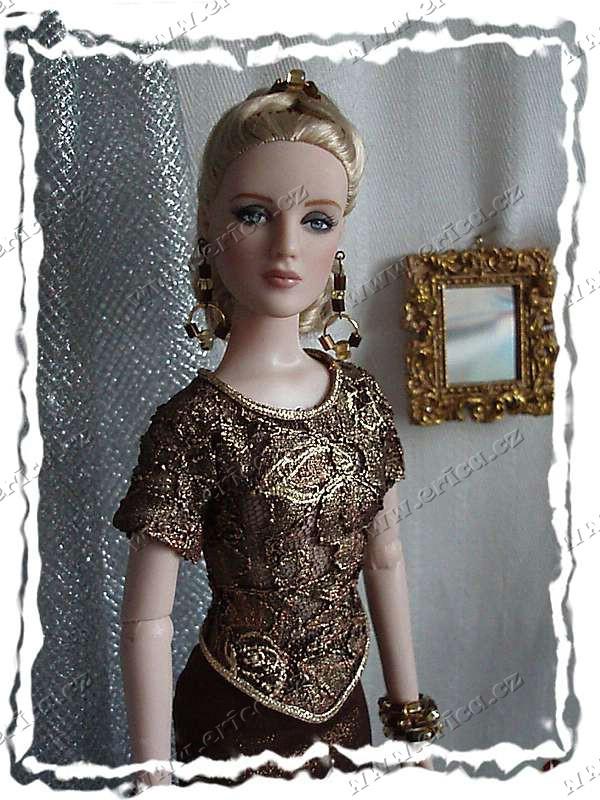 87d8005e55b Stránky o panence firmy Tonner - šaty do divadla